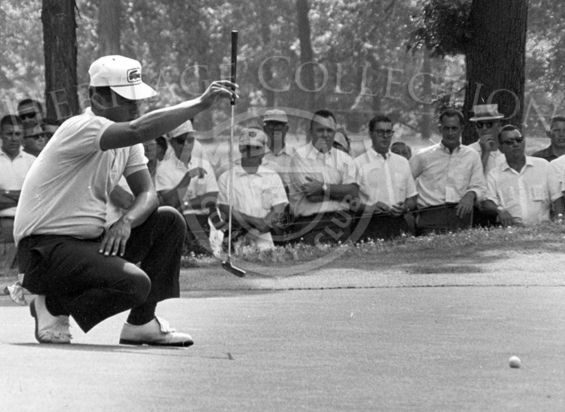 Homero Blancas lines up a putt during the 63rd Western Open in 1966.