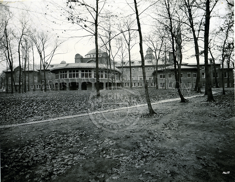 A 1920s winter view of clubhouse from the eastside of the building.
