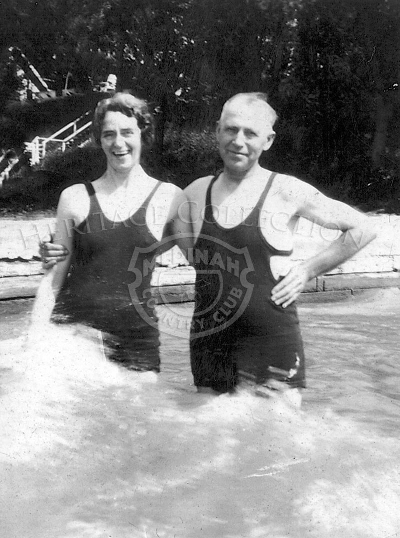 Photo of Mr. & Mrs. E.A. Schmidt from June 23, 1933.