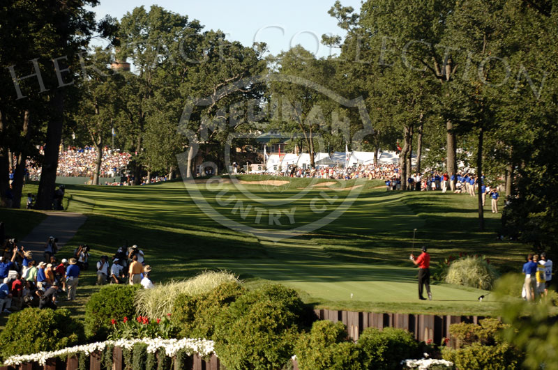 Tiger Woods on No. 18 tee during round 4 of the 88th PGA Championship in Medinah, Illinois. Sunday, August 20, 2006. Photographer: Montana Pritchard