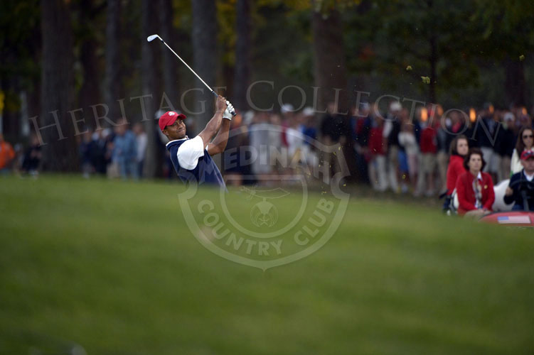 Tiger's approach shot on the 18th hole on Friday afternoon.