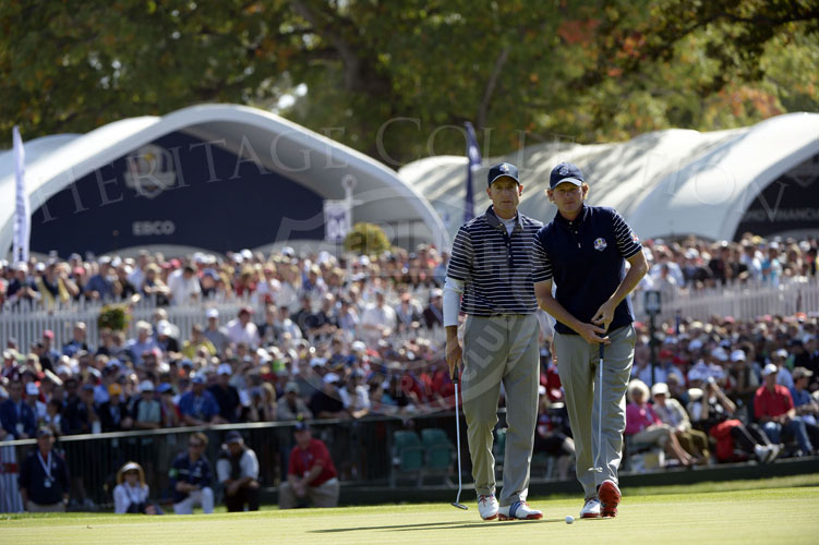 Snedeker and Furyk eyeing their line on the 18th hole on Saturday.