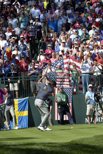 Watson encouraged the crowd to cheer throughout his swing on the 1st tee during all his matches.