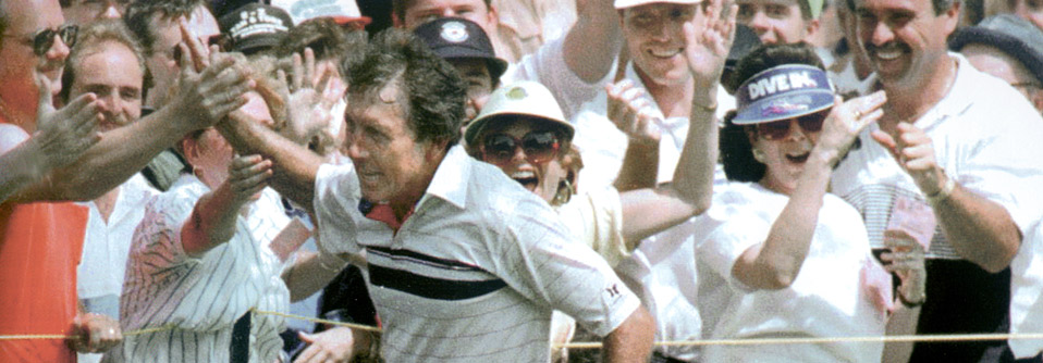 Hale Irwin celebrating with the crowd at the 1990 U.S. Open